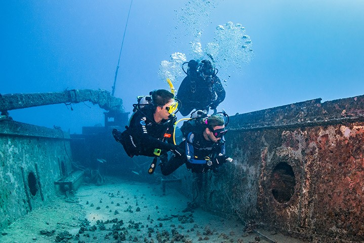 The Basics of Wreck Diving in Papua New Guinea